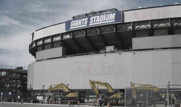 Photo outside Giants Stadium taken by Steve Archer in 2009